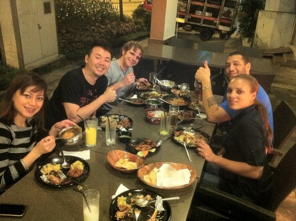Daegan Smith, Jaz Lai, Edmund Toh, Brian Fanale having dinner